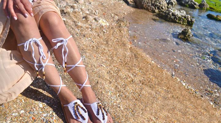 Не только лишь на пляж: с чем носить сандалии сиим в летнюю пору